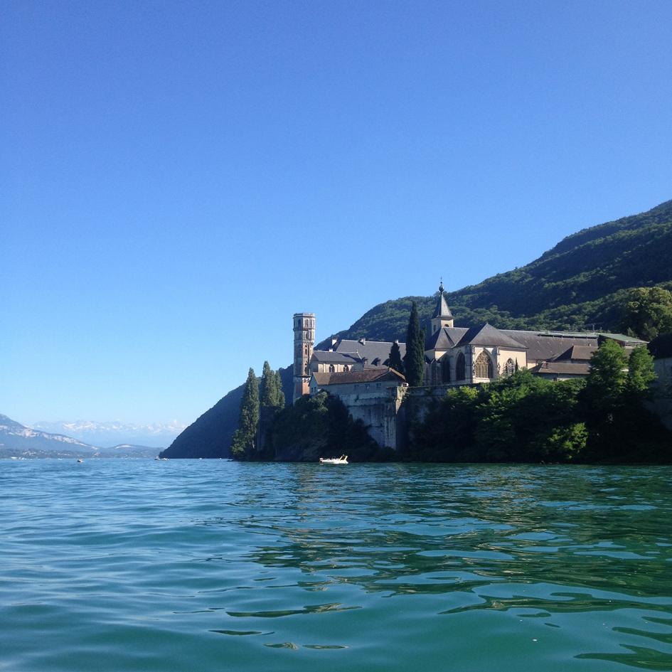 lac-du-bouget-abbaye-hautecombe-belledone
