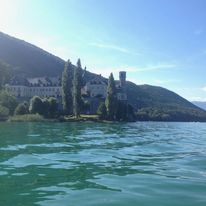lac-du-bourget-facade-royale-abbaye-hautecombe